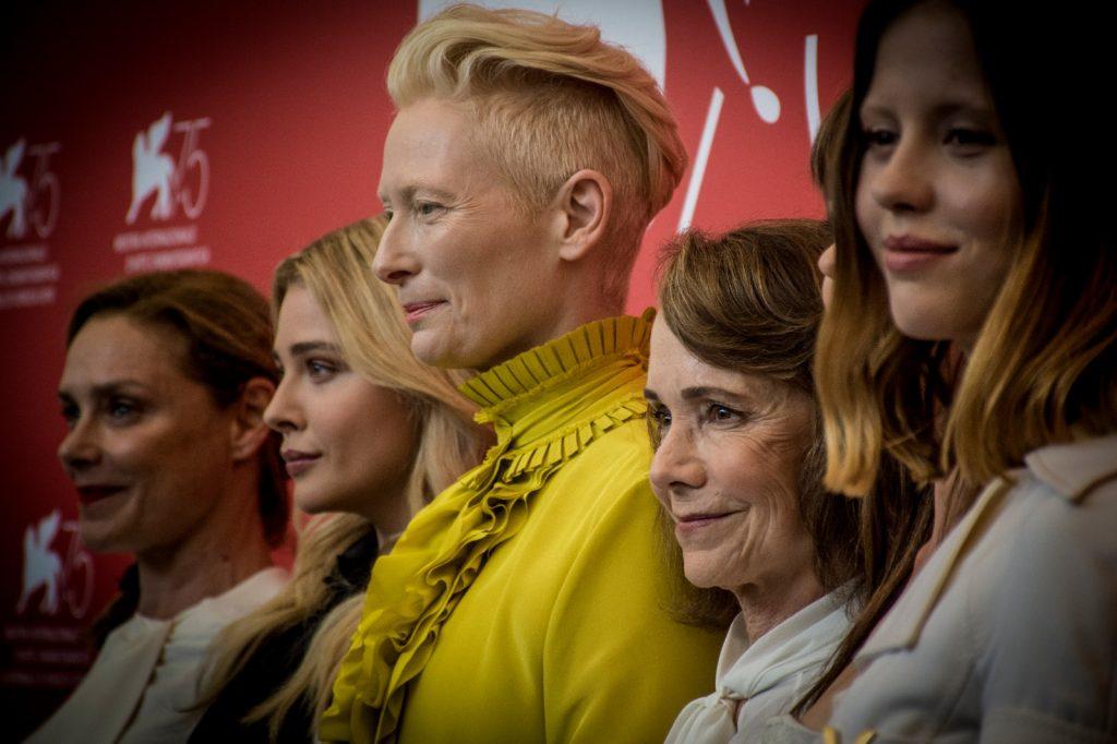 L'attrice Tilda Swinton vincitrice del Leone d'Oro alla carriera alla Mostra Internazionale del Cinema di Venezia